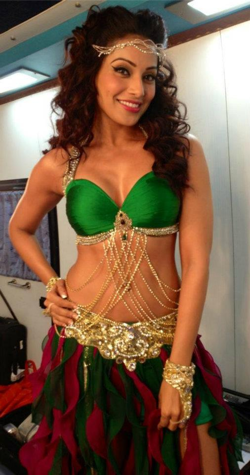 Bipasha Basu Spotted Backstage Before Her Super Fight League Performance