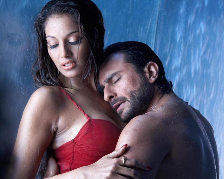 Bipasha Basu and Saif Ali Khan Hot Still