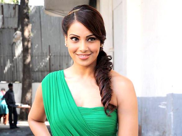 Bipasha Basu at Dance India Dance Season 3 in Mumbai