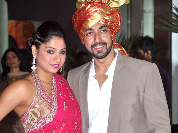 Bolly Celebs at Dheeraj and Honey Deshmukh wedding reception