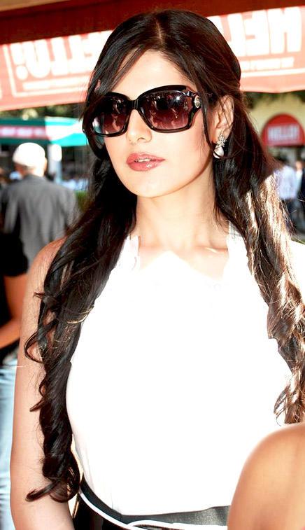 Bollywood Actress Zarine Khan Stunning Pic