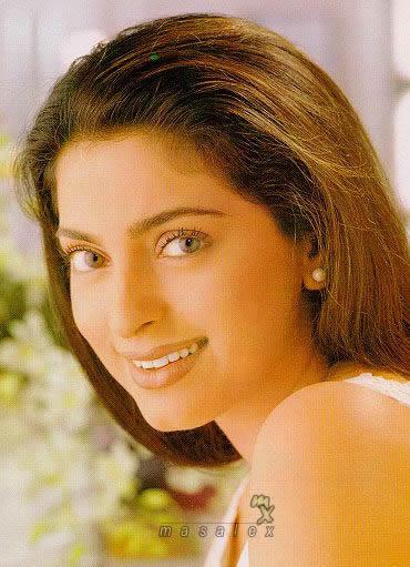 Bollywood Diva Juhi Chawla Wallpaper