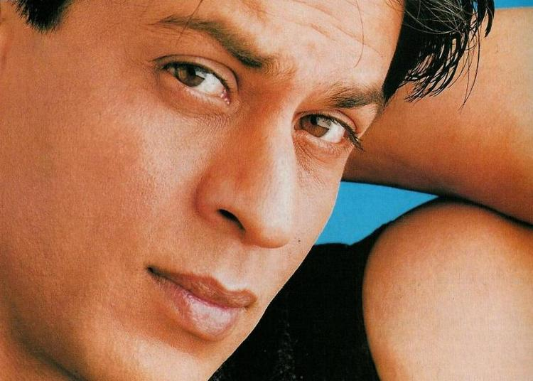 Bollywood Heartthorb Shahrukh Khan Wallpaper