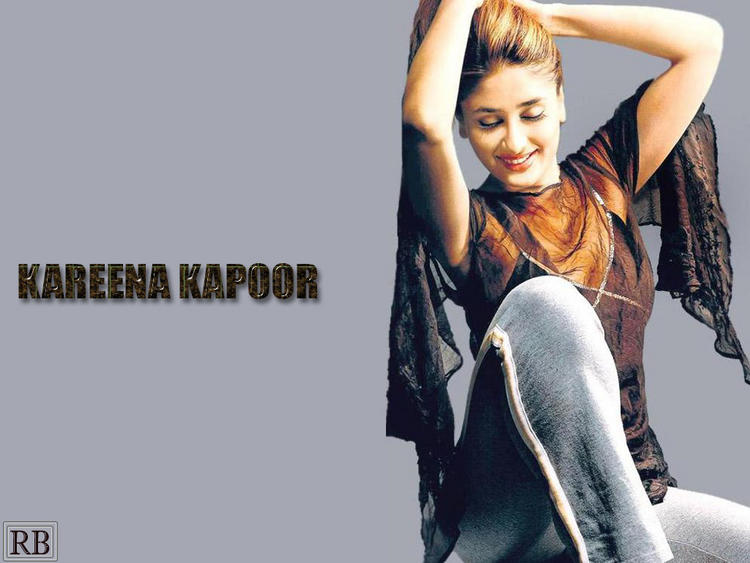 Bollywood Masala Actress Kareena Kapoor Wallpaper
