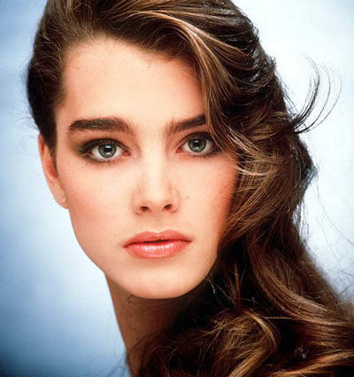 Brooke Shields Sexy Eyes and Wet Lips Pic