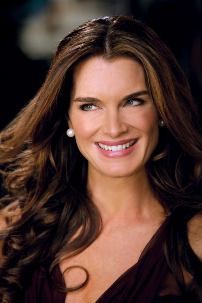 Brooke Shields Smily Face Photo