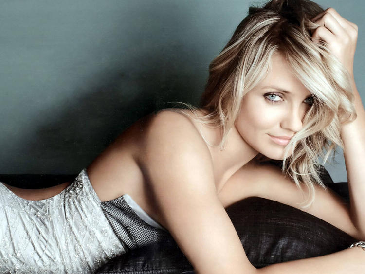 Cameron Diaz Back Bare Dress Hot Photo Shoot