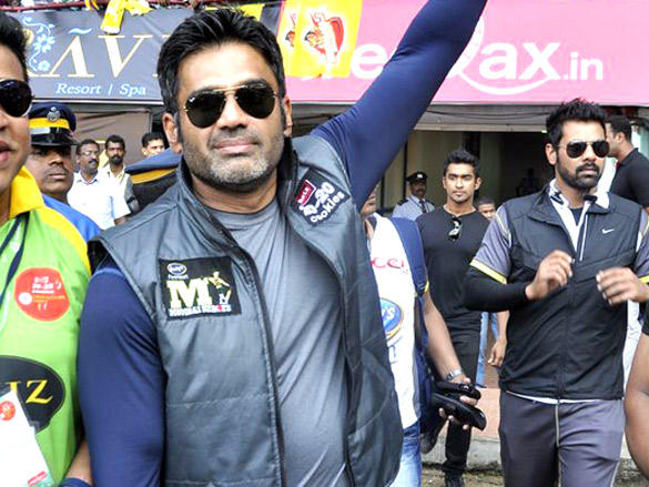 Captain Sunil Shetty at Mumbai Heroes CCl 2 match