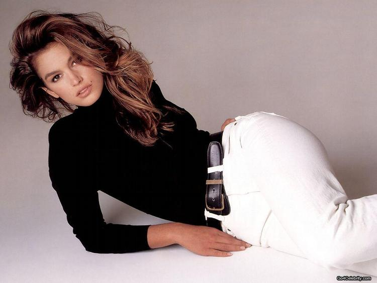 Cindy Crawford Hot Photo Shoot With Fulldress