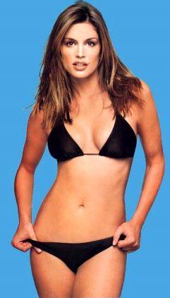 Cindy Crawford Spicy Figure Pic In Black Bikini