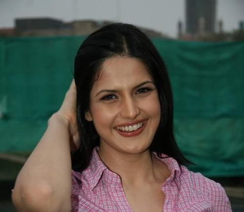 Cute Zarine Khan at Tennis Academy Photo