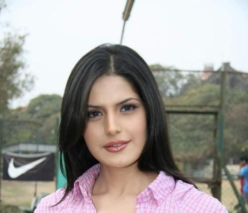 Cute zarine khan at Tennis Academy Pic