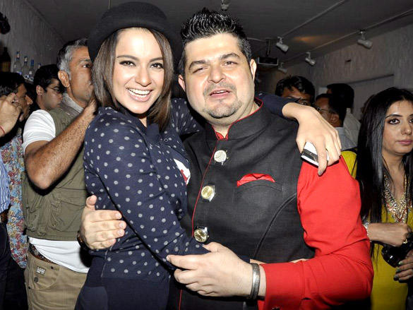 Dabboo Ratnani with Sexy Celeb at 2012 Calendar Launch