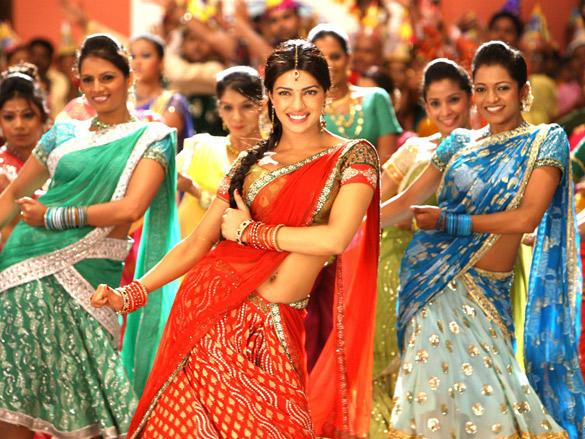 Dance sequence by Priyanka Chopra  in Agneepath