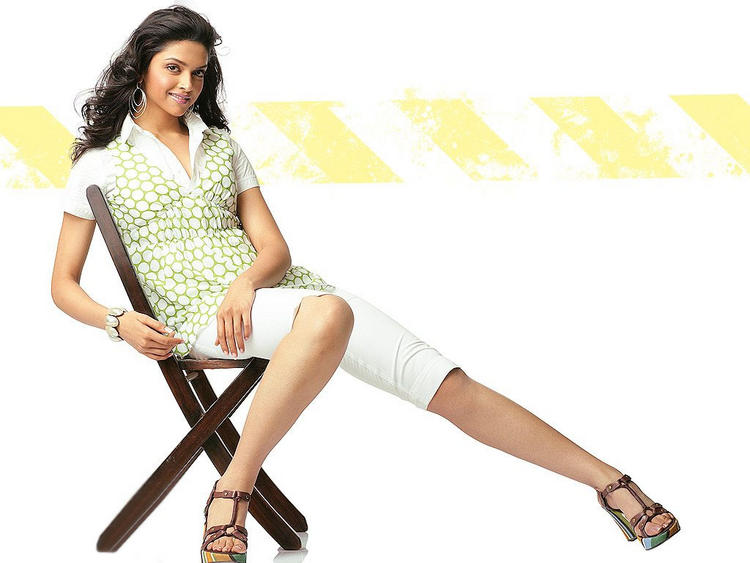 Deepika Padukone Latest Cute Wallpaper