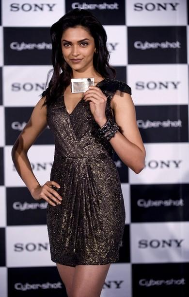 Deepika Padukone Launches Sony Cyber Shot