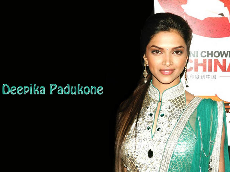 Deepika Padukone Looking Very Gorgeous