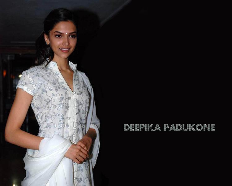 Deepika Padukone Simple Dress Nice Look Wallpaper