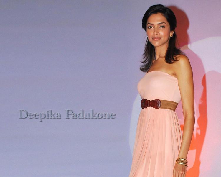 Deepika Padukone Sleeveless Dress Glam Wallpaper
