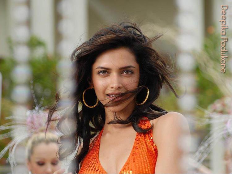 Deepika Padukone Stunning Beauty Face Wallpaper