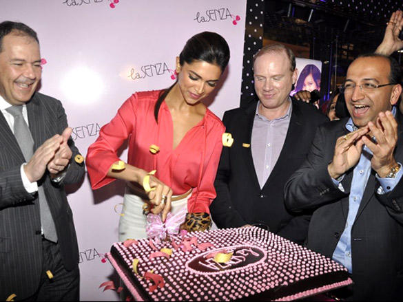 Deepika Padukone inaugurates La Senza store
