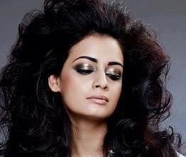 Dia Mirza Latest Hair Style Glamour Photo For Elle India April 2012