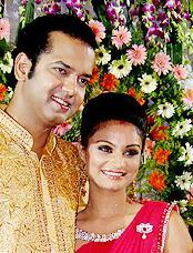 Dimpy Mahajan,Rahul Mahajan Latest Pic