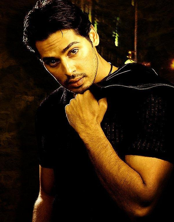 Dino Morea Hot Look Wallpaper