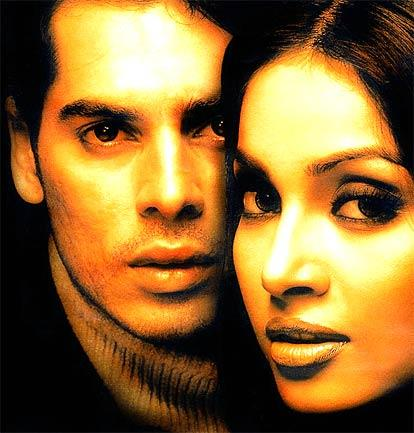 Dino Morea and Bipasha Latest Glamour Pic