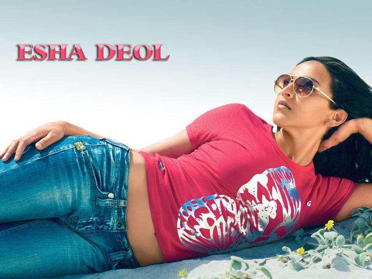 Esha Deol Latest Hot Wallpaper
