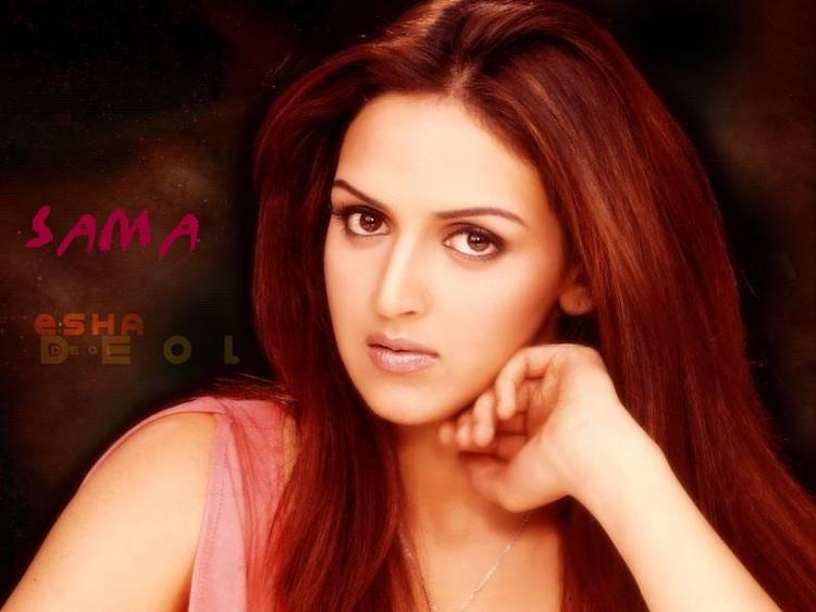 Esha Deol Looking Very Gorgeous