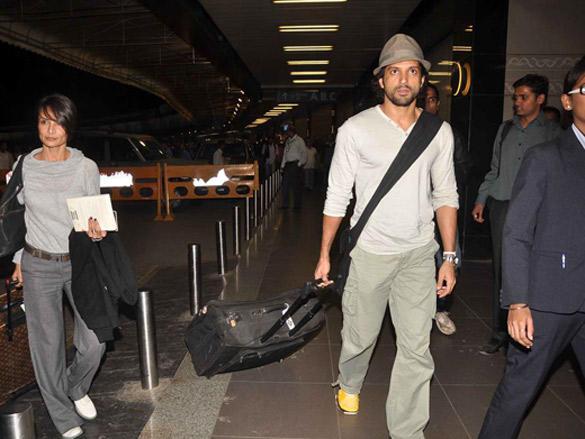 Farhan Akhtar leave for Zee Cine Awards in Macau