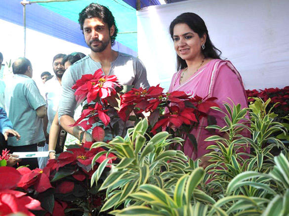 Farhan Akhtar plants a tree with Shaina NC