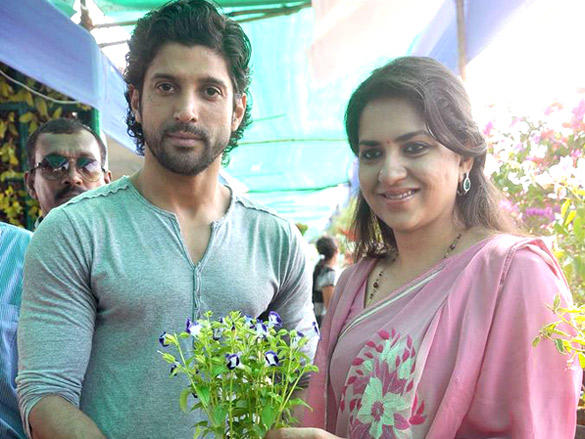 Farhan Akhtar plants a tree with Shaina NC in Mumbai