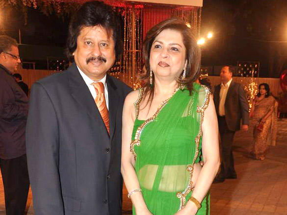 Farida Udhas,Pankaj Udhas at Vikas Kalantri wedding reception