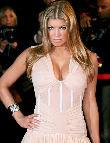 Fergie Sexy Cleavages Show Public Photo