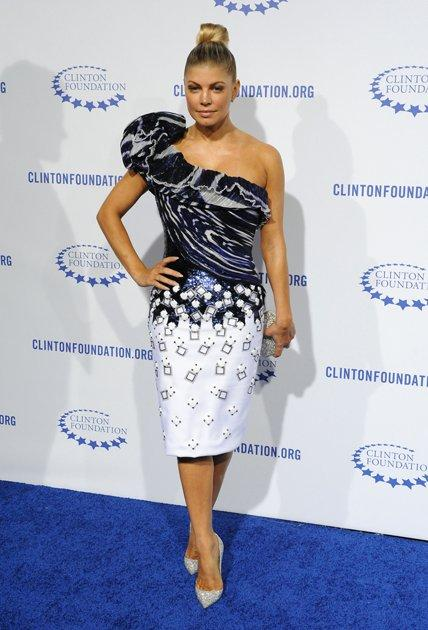 Fergie Sexy Dress Pic On Blue Carpet
