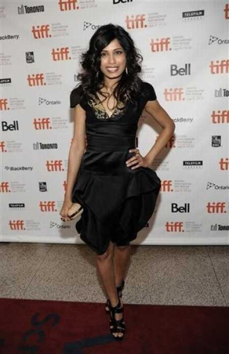 Freida Pinto Beautiful Dress Awesome Pic