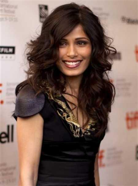 Freida Pinto Looking So Beautiful