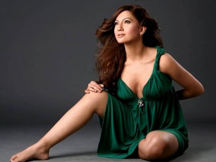 Gauhar Khan Green Dress Sizzling Wallpaper