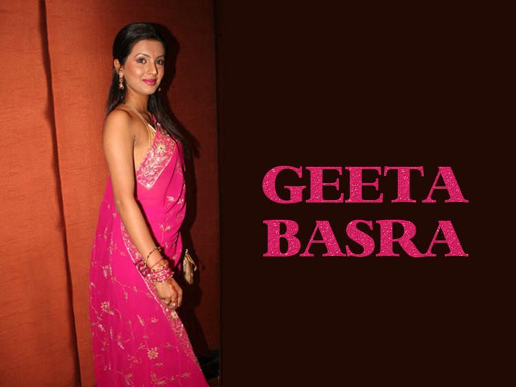 Sexy Geeta Basra in Pink Saree
