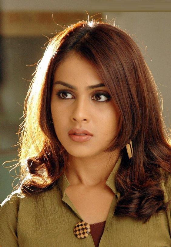 Genelia D'Souza Lovely Face Stunning Picture
