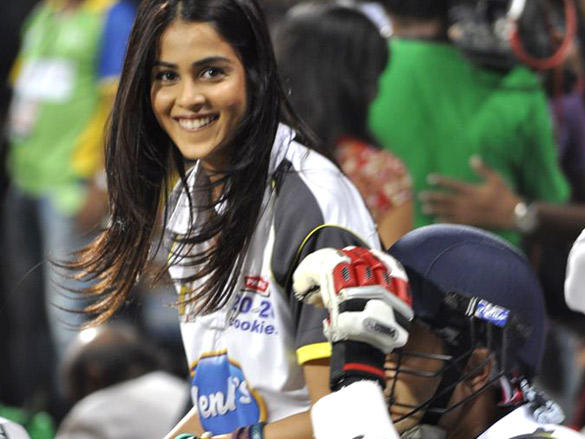 Genelia Dsouza with open smile at CCL 2 Match