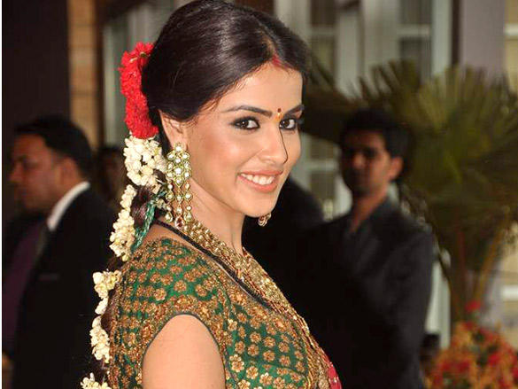 Genelia beautful look at Honey and Dheeraj Deshmukh wedding reception