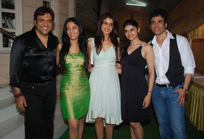 Govinda,Amrita,Tusshar Poses Photo Shoot