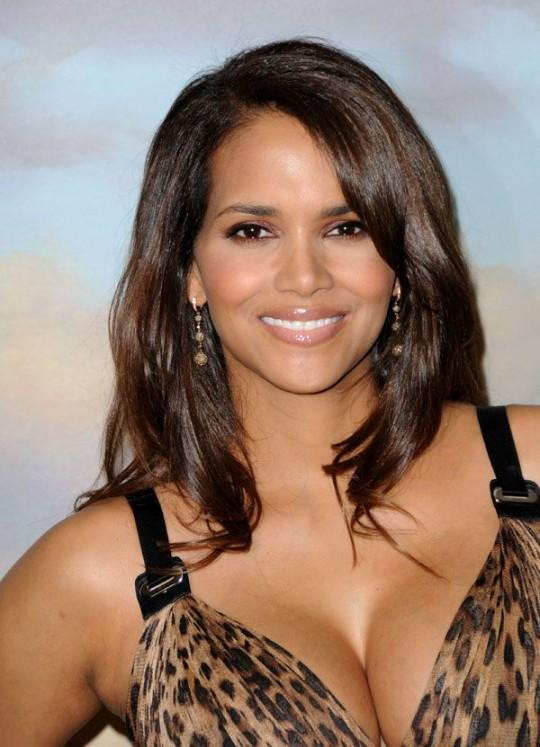 Halle Berry Sexy Cleavages Still