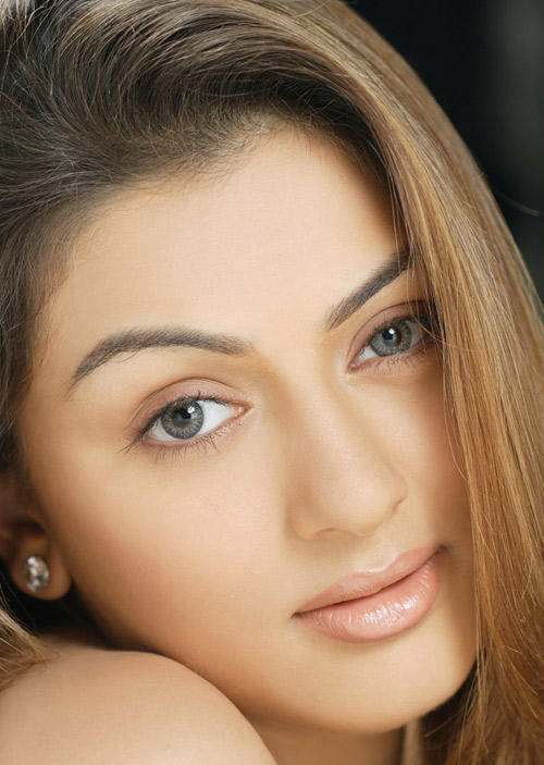 Hansika Motwani Beautiful Eyes and Hot Lips Pic
