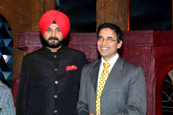Harsha Bhogle,Singh Siddhu Poses To Photo Shoot