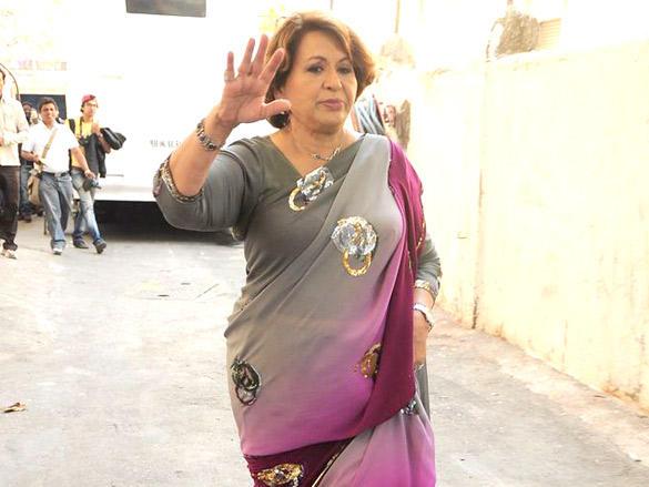 Helen promote Jodi Breakers on Dance India Dance