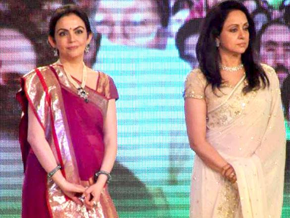 Hema Malini,Nita Ambani at CNN IBN Heroes Awards
